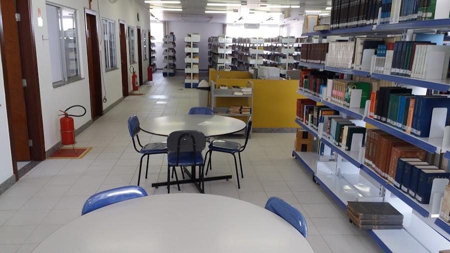 Biblioteca Catolica de Feira